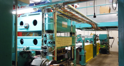 Punch press is connected in the PHE's plates production line